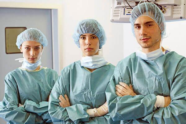 歯科医師・歯科衛生士が連携した歯周病治療。